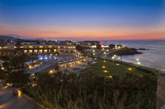 The Island Hotel: Hotel view