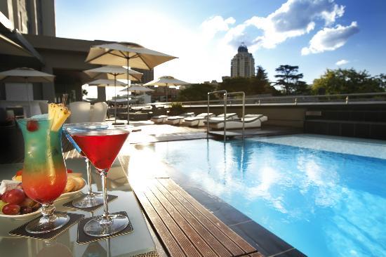 Radisson Blu Gautrain Hotel: Pool Deck