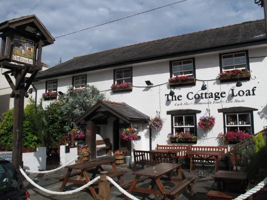The Cottage Loaf: Outside Seating