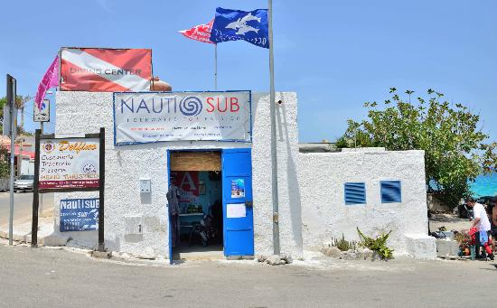 ‪Nautisub Diving Center‬