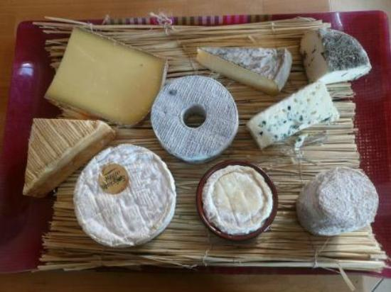 A World in A Pan: plateau de fromages