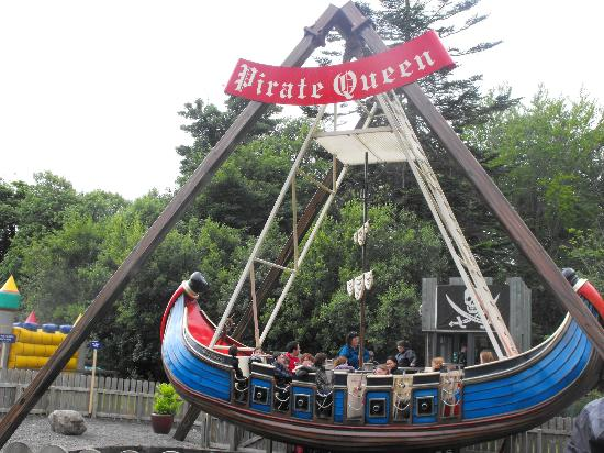 Westport House Camping & Caravan Park: kids on the pirate queen ship was brilliant