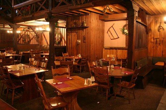The Barn Restaurant: Main dining room
