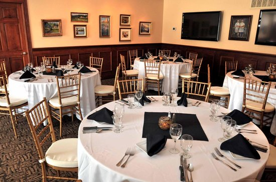 Bridge Road Bistro: Our Walnut Room seats up to 50 Guest!