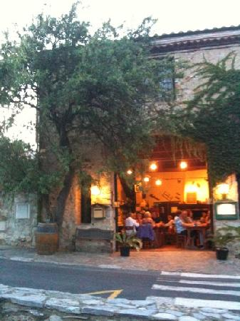 Restaurant La Cave D'agnes: A beautiful rustic restaurant with really special food.