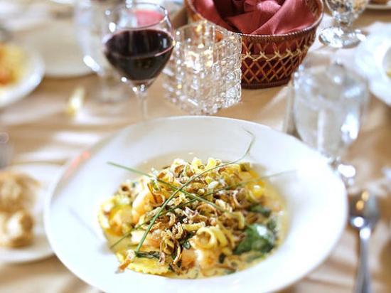 Wachusett Village Inn Restaurant 사진