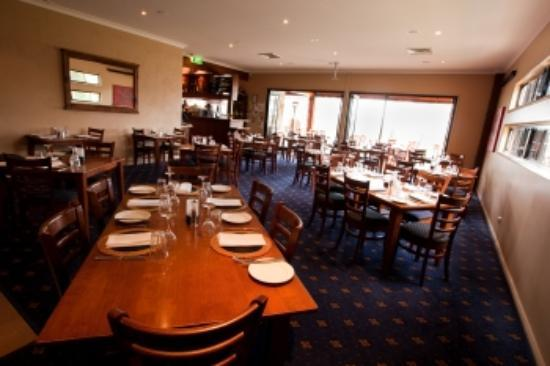 Wheelers Seafood Restaurant and Oyster Farm: Inside the dining room...