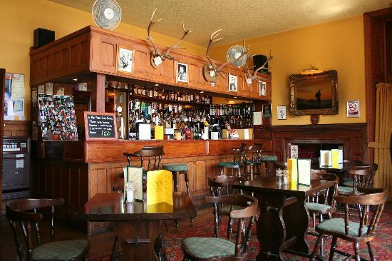 Glenfinnan House Hotel Restaurant: Glenfinnan House Hotel Bar