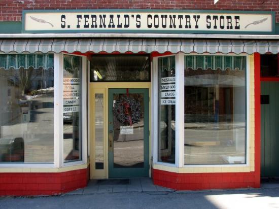 S. Fernald's Country Store and Deli: Old waldoboro location