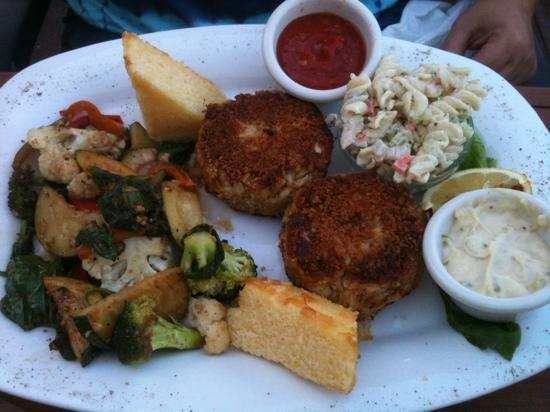 Beachside Bistro: crab cakes broiled without much filler!