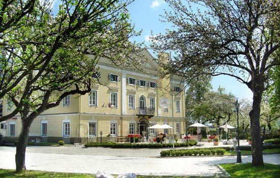 Schloss Lerchenhof Bild