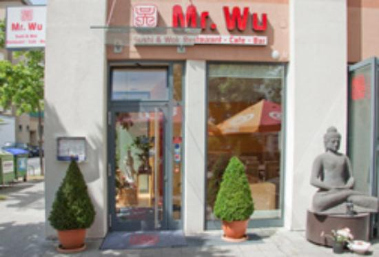 Mr. Wu Sushi & Wok Restaurant