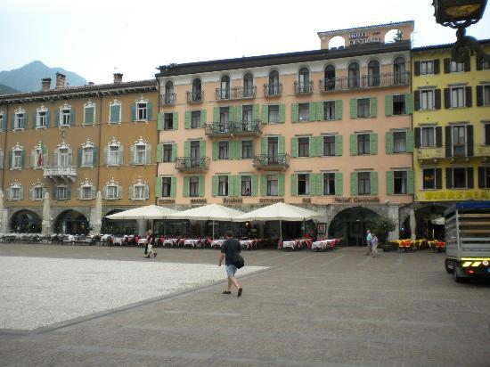 Hotel Kristal Palace - Tonelli Hotels : Riva del Garda, main square