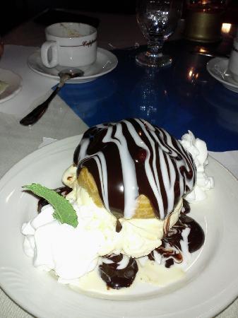 Mattakeese Wharf: House Dessert - Ice Cream Puff