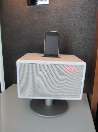 Hotel 48LEX New York: Geneva radio/iphone system