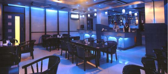 Hotel Niky International: BLUE LAGOON BAR