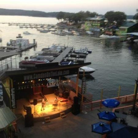 H. Toad's Bar & Grill: live entertainment
