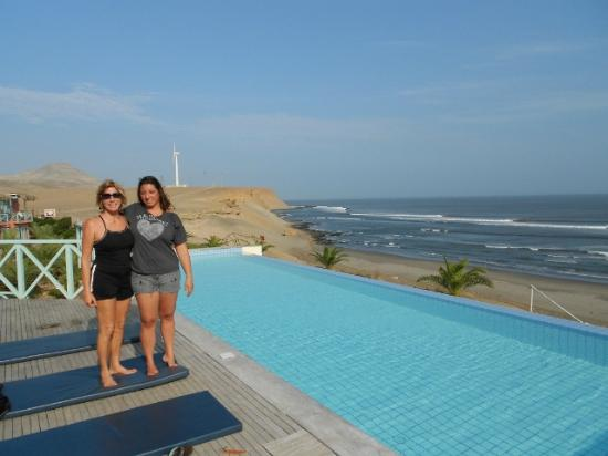 Chicama Surf Hotel & Spa : The view from the pool area