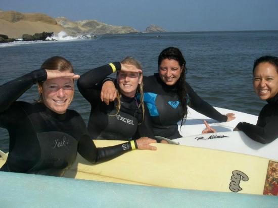 Chicama Surf Hotel & Spa: me and my daughters and friend in the boat