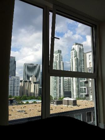 City Nites Serviced Apartments, London: View from bedroom