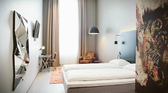 Comfort Hotel Grand Central : Standard room west wing (Karl Johan view)
