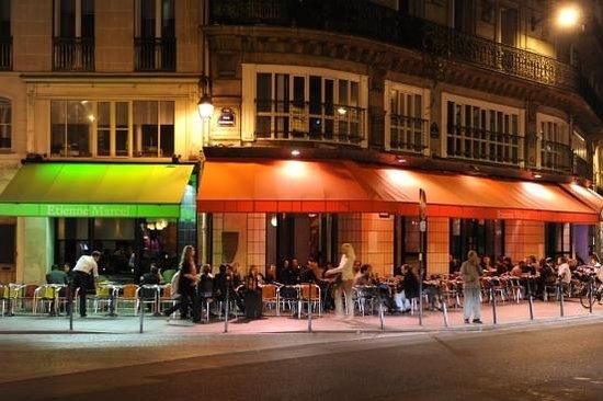 Cafe Etienne Marcel
