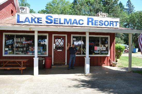 Selma, OR: General Store