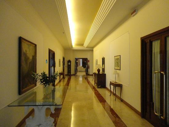 Continental Terme Hotel: couloir
