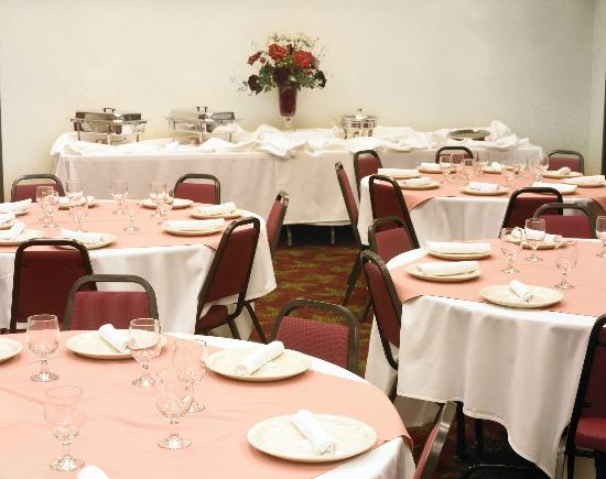 Best Western Liberty Inn DuPont: Liberty Inn Banquet Room with full catering available - seats up to 100 persons