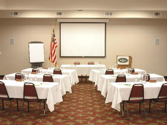 Best Western Liberty Inn DuPont : Libery Inn Meeting Room with full audio visual capabilites - seats up to 100 persons