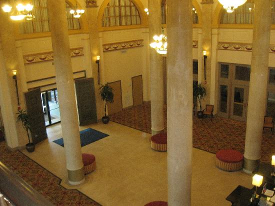 Holiday Inn Express Baltimore-Downtown: Lobby View