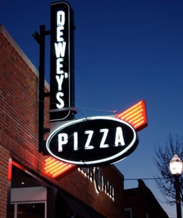Dewey's Pizza