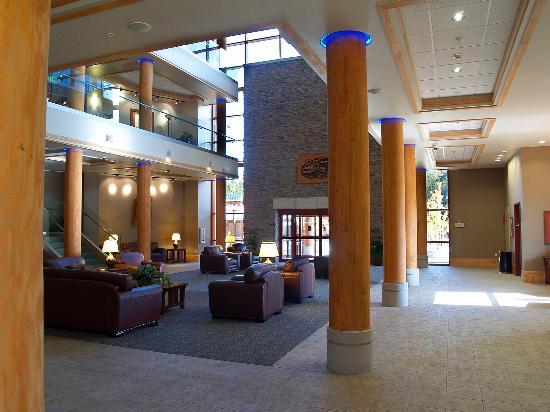 Little Creek Casino Resort: Lobby