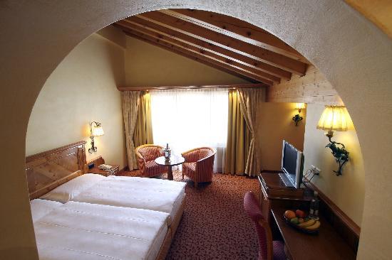 Chalet Hotel Schoenegg : Matterhorn double room