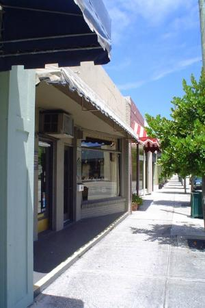 West Palm Beach Antique Row Art & Design District: Over 50 stores, most within walking distance!
