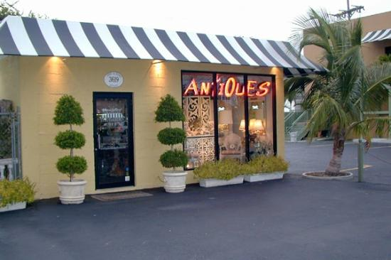 West Palm Beach Antique Row Art & Design District: Decorative arts, period deco and moderne furnishings.