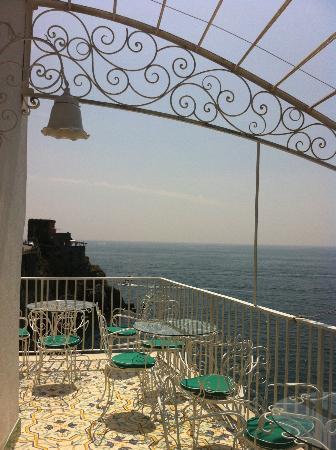 Hotel Marina Riviera: terrazza e sala colazioni