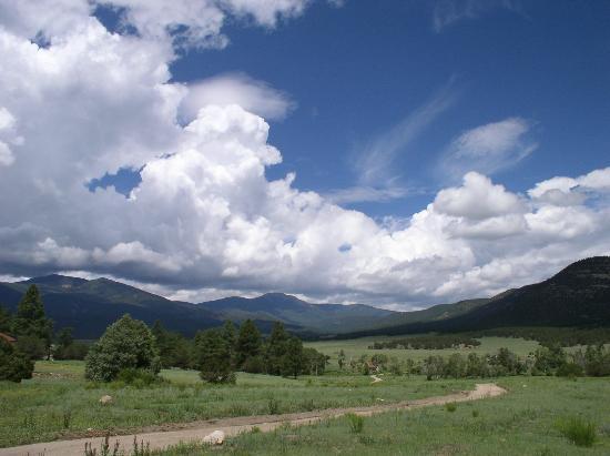 Ute Park, Nouveau-Mexique : View across valley from Cimarroncita