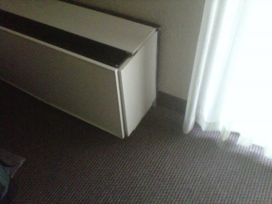 Olympia Resort: Hotel, Spa & Conference Center: Old AC unit - note on high cool, non-stop it only got to 72F