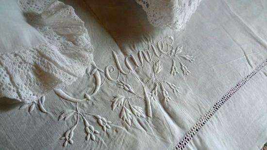Le Clos de la Chesneraie: linge de lit ! superbe !!