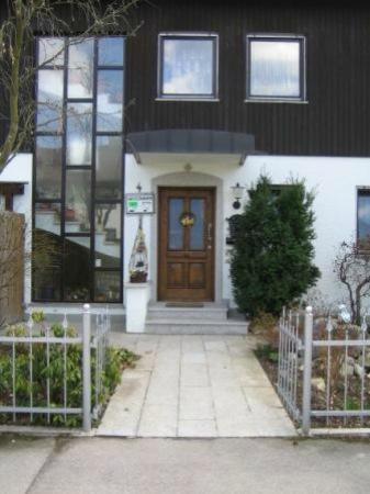 Haus Roesel: Haus Eingang
