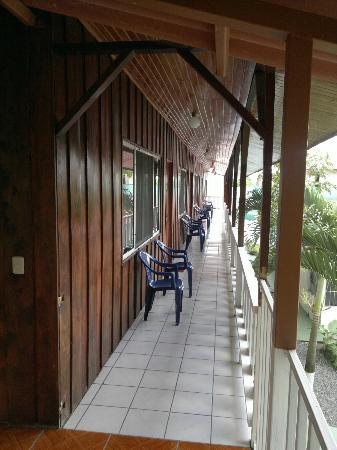 Hostel Rio Danta: Left View Corridor