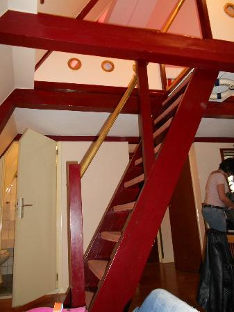 Hotel des Arts Amsterdam : scaletta per salire al piano superiore