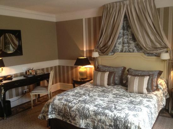 Tiara Chateau Hotel Mont Royal Chantilly: chambre supérieure