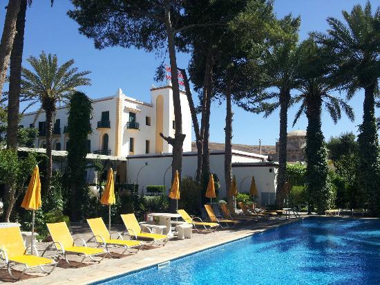 Hotel Kerdada: piscine