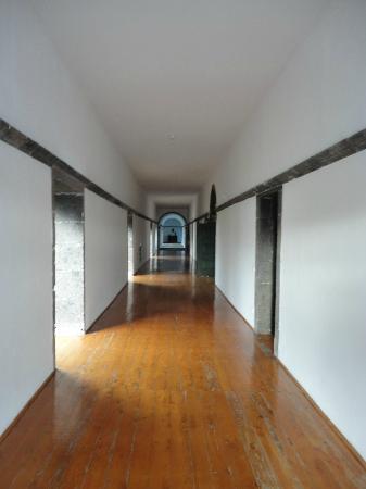 Convento de Sao Francisco: Hallway