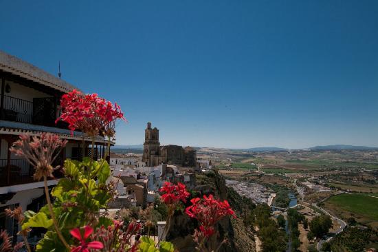 Parador Arcos de la Frontera: Vistas desde la terraza del hotel