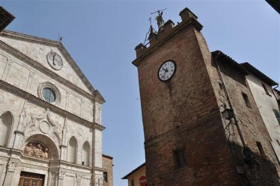 Chiesa di Sant'Agostino: ...seit 500 Jahren ZWILLINGE...