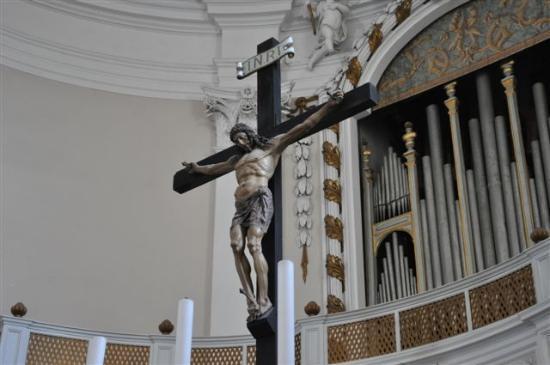 Chiesa di Sant'Agostino: ..das Kreuz von Antonio da Sangallo...