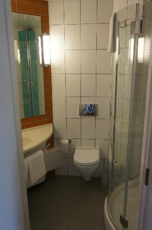 Ibis Yaroslavl Centre: Ванная